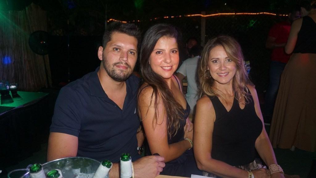 Gregory, Gaby e Larissa