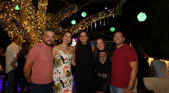 Kamilla comemorando aniversario com amigos