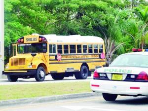 Volta às aulas: mais de mil ônibus escolares voltam às ruas de Broward