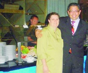 Enquanto foi diretor de alimentos e bebidas do Intercontinental, Arminio estabeleceu uma parceria com a chef Debora Rosalen, com o Brazilian Food Festival.