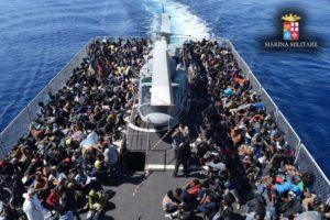 maio/2015- Estreito da Sicília, Itália- Mais de 2 mil imigrantes foram resgatados pela Marinha italiana entre os dias 1º e 3 de maio no Mar Mediterrâneo, entre Lampedusa (ITA) e Líbia. Foto: Marina Militare