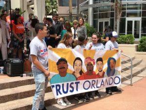 Ativistas votação Trust Act Orlando