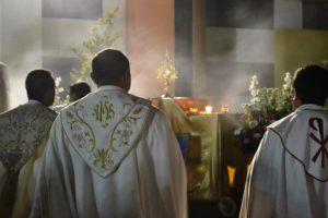 Padres católicos acusados abuso de menor toda Pensilvânia