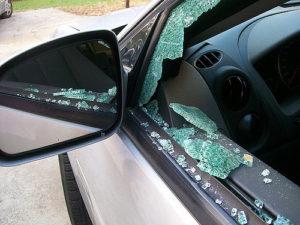 Ladrões furtam 26 carros na mesma madrugada em Miami