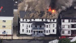 casas pegam fogo explosões gás.