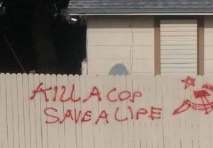 Grafite incitando violência contra policiais assusta moradores de Lake Worth
