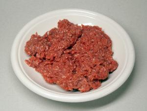 Carne moída está ligada a surto de E. coli pelo país, diz CDC