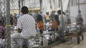 EUA querem 2 anos para identificar crianças separadas dos pais na fronteira