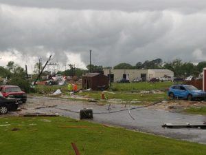 Tornado atinge cidade do Texas e mais tempestades ameaçam o sudeste