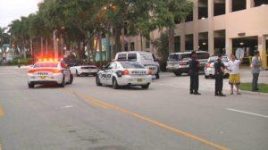 Tiroteio em estacionamento perto do Broward Center deixa 1 morto e 3 feridos