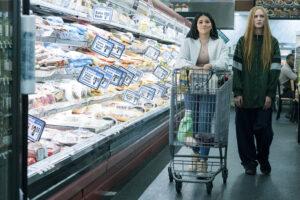 Gina Rodriguez é Melanie e Evan Rachel Wood é Old Dolio no filme